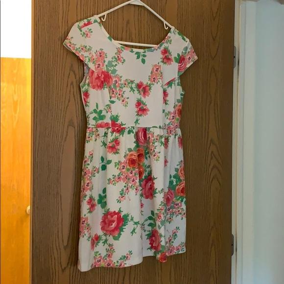 Kirra Dresses & Skirts - Floral Dress